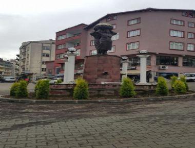 Meydan Anıtı Ağaçlandırıldı ve Işıklandırıldı